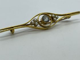 18ct gold brooch