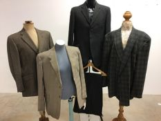 Three vintage gentleman's jackets together with a vintage two piece gents suit. 42-44 L