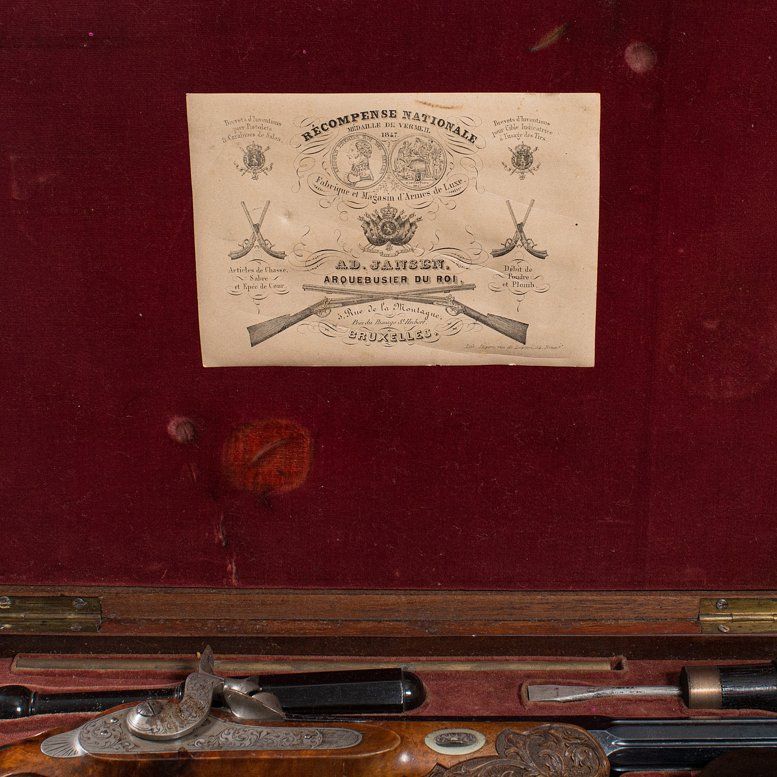 A boxed pair of 19th century officers percussion pistols. 9.5 inch octagonal blued barrels. Movement - Image 9 of 14