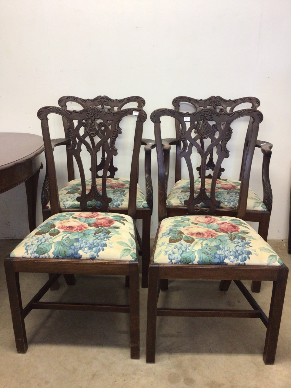 A mahogany extending table on cabriole legs with two extra leaves with four Victorian chairs to - Image 3 of 6
