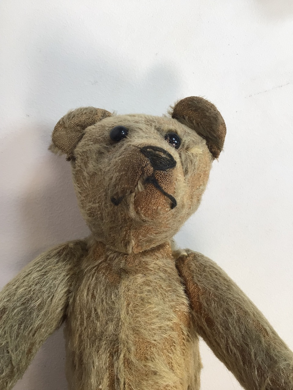 An early 1900s, assumed to be, Stieff bear with original shoe black button eyes and hump back. H: - Image 4 of 9