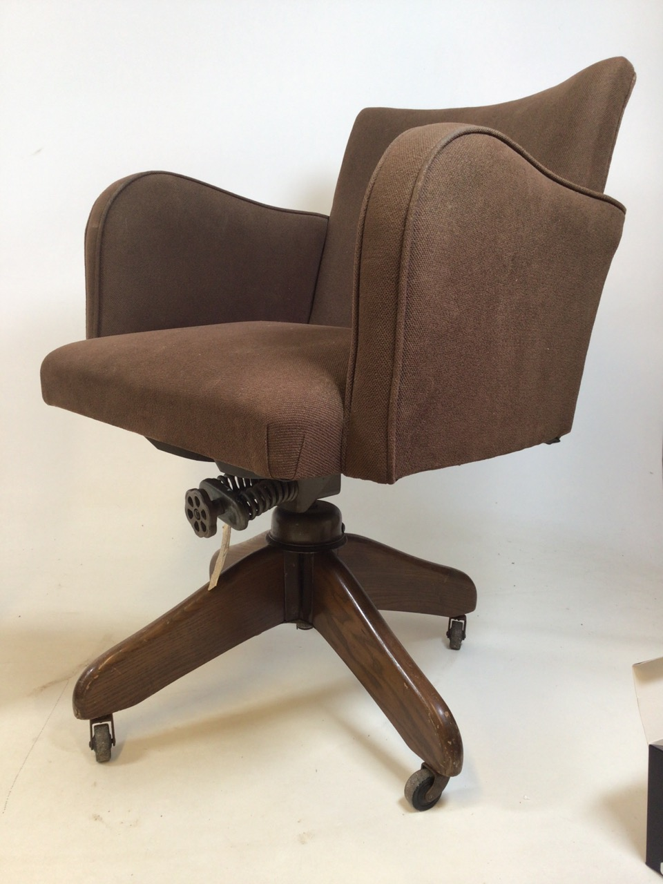 A Hillcrest mid century swivel office chair with Hillcrest label to metal base on oak stand with - Image 2 of 5