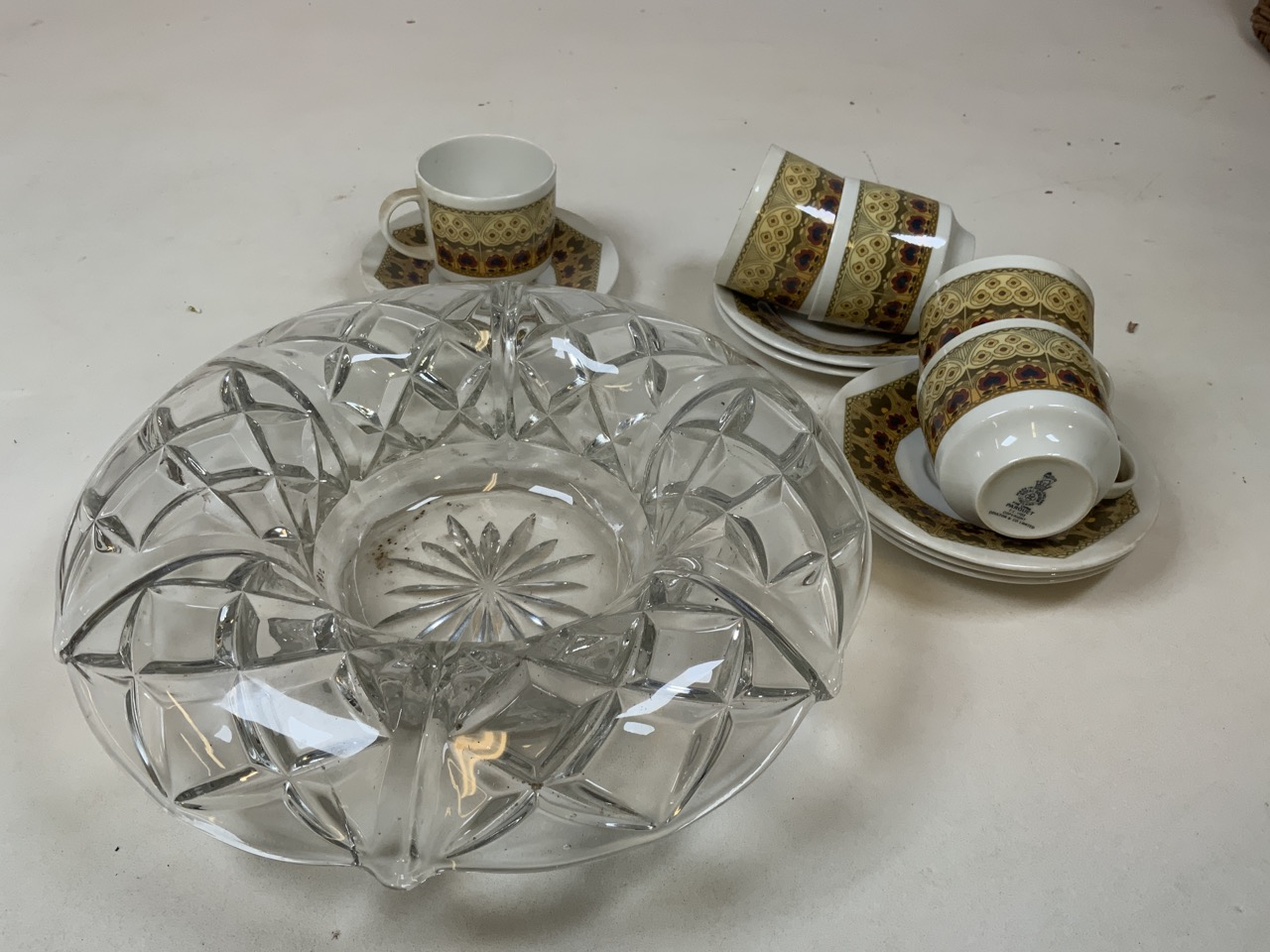 A vintage wicker ten bottle carrier together with Royal Doulton Parquet design tea cups and - Image 3 of 3