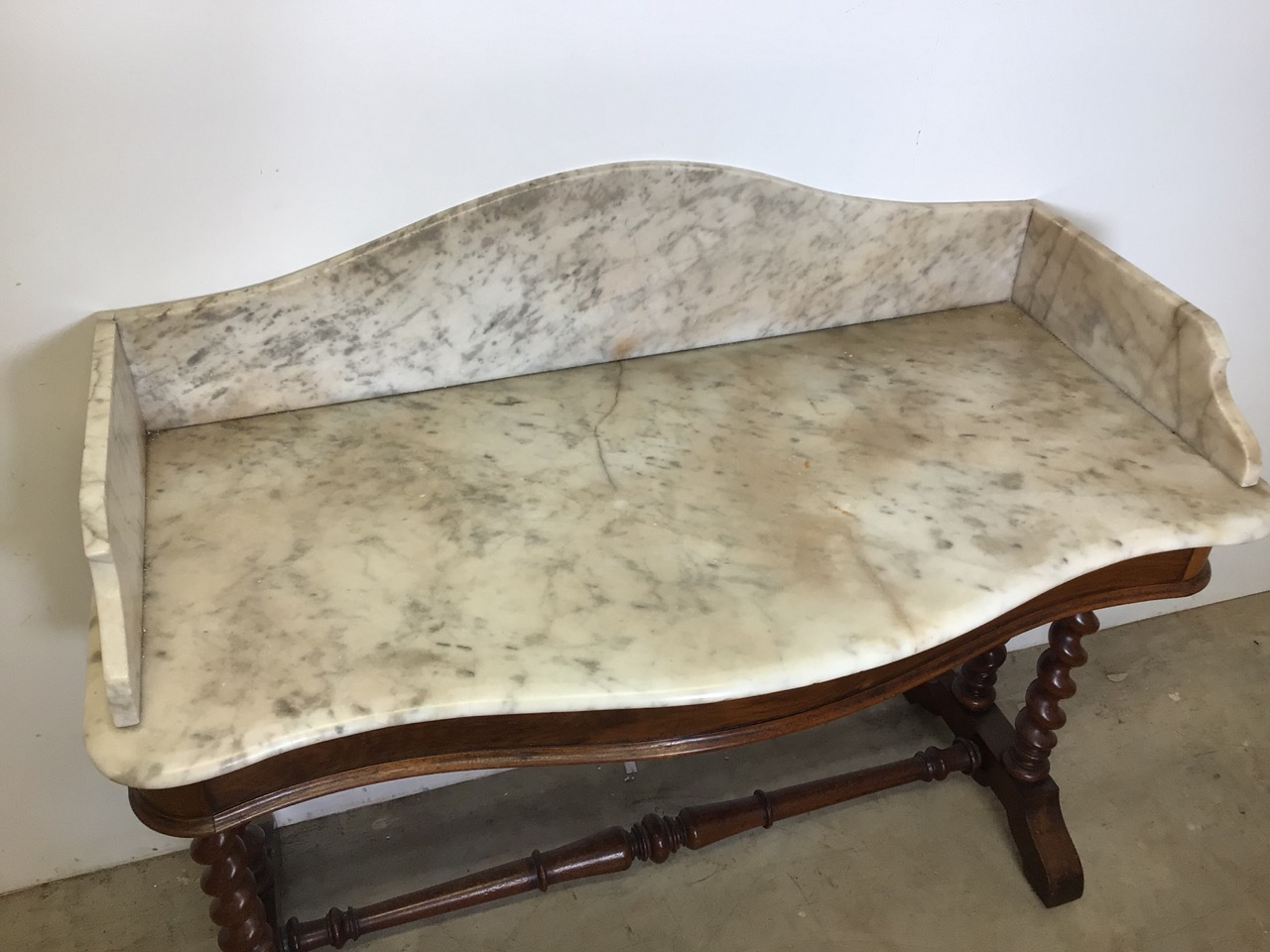 A serpentine front mahogany marble topped wash stand with large barley twist legs and turned - Image 4 of 5