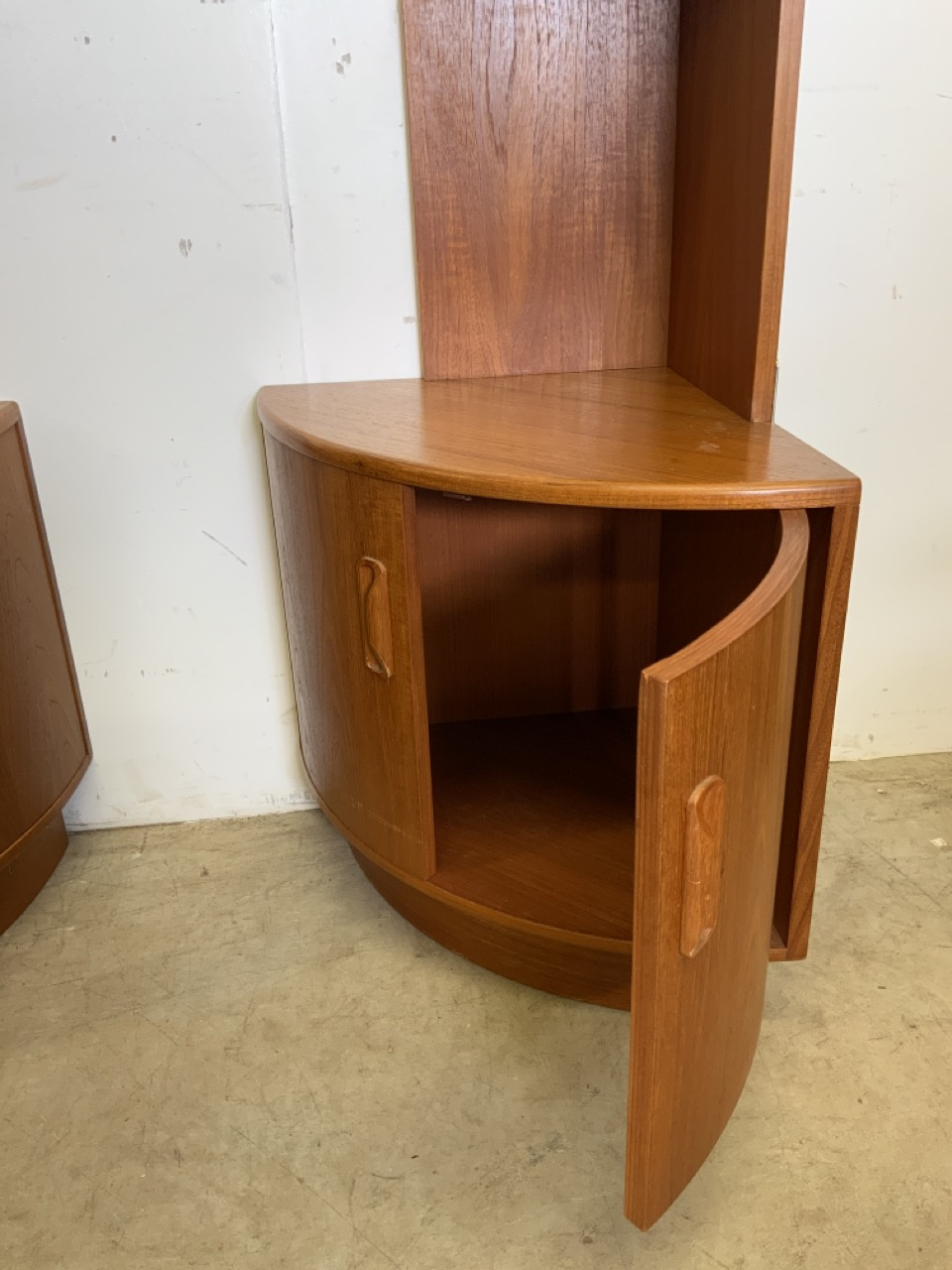 A pair of teak mid century G Plan two piece corner shelves with cupboards below. W:46cm x D:46cm x - Image 3 of 5