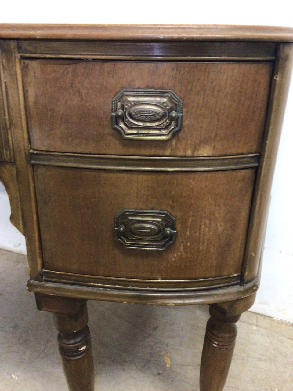A small curved ladies desk with large central drawer with two drawers either side with brass - Image 4 of 6