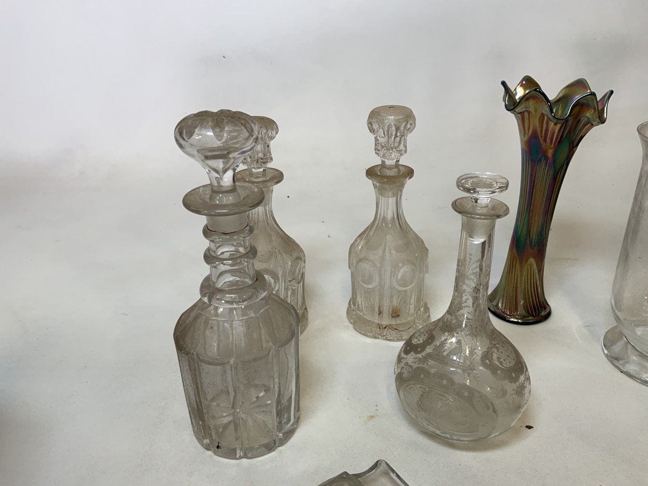 A mixed collection of glass, metal wear and ceramics. To include a brass kettle and a pair of - Image 3 of 6