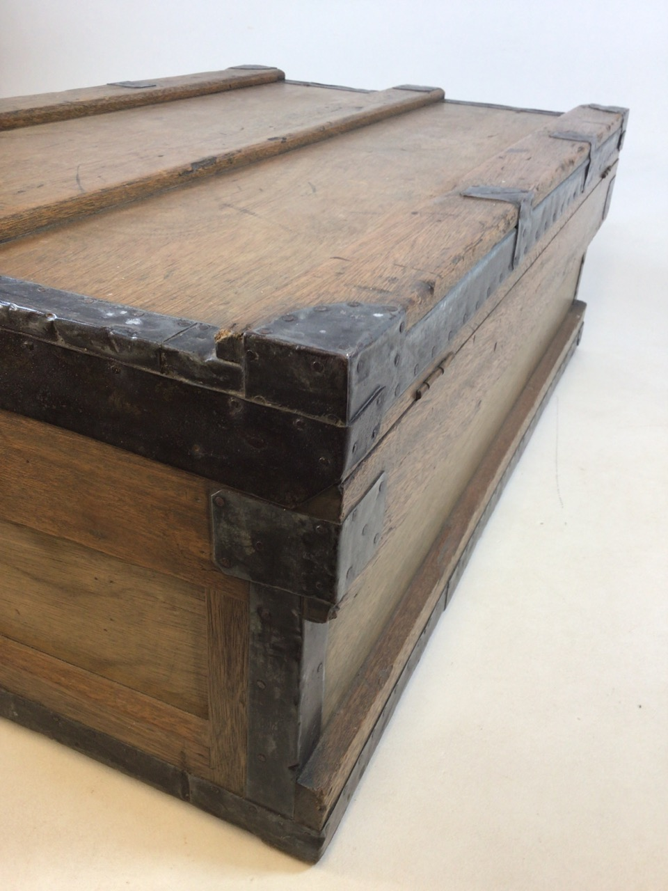 A large 19th century lead trunk with metal bound edges. W:97cm x D:60cm x H:36cm - Image 8 of 9