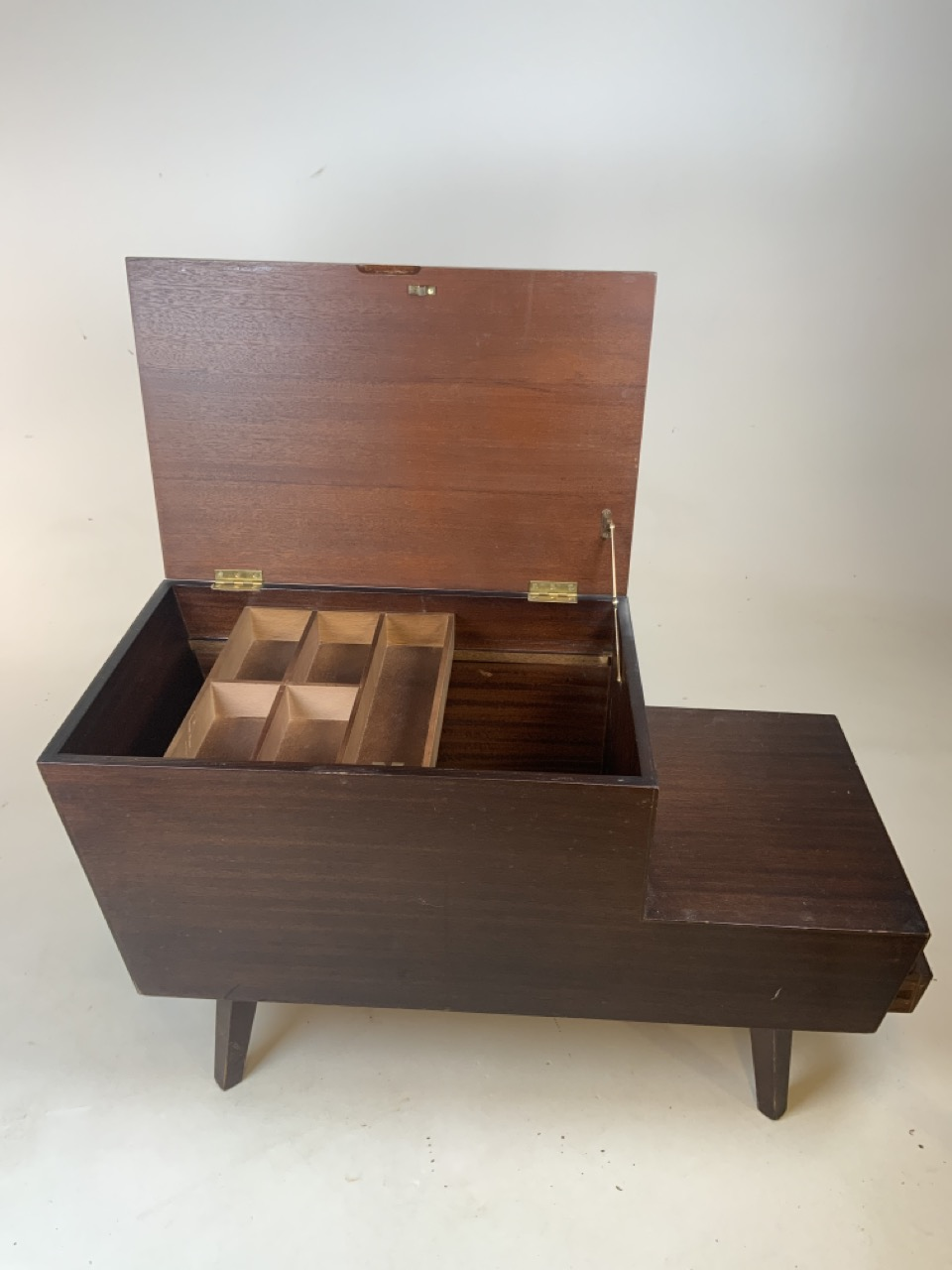 Mid century Vanson teak sewing/ coffee table with lift up top and two drawers. Sliding storage - Image 5 of 5