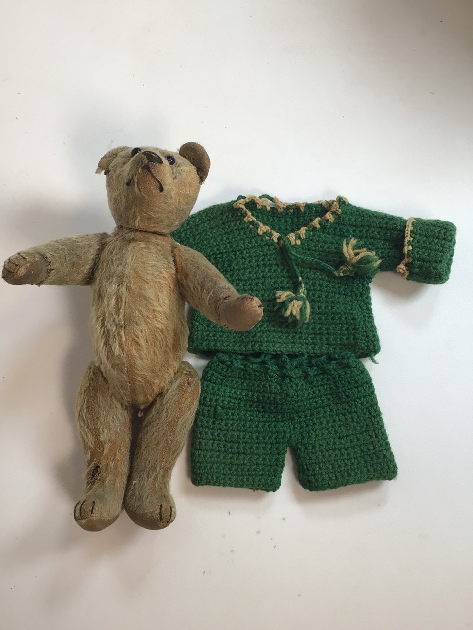 An early 1900s, assumed to be, Stieff bear with original shoe black button eyes and hump back. H: - Image 9 of 9
