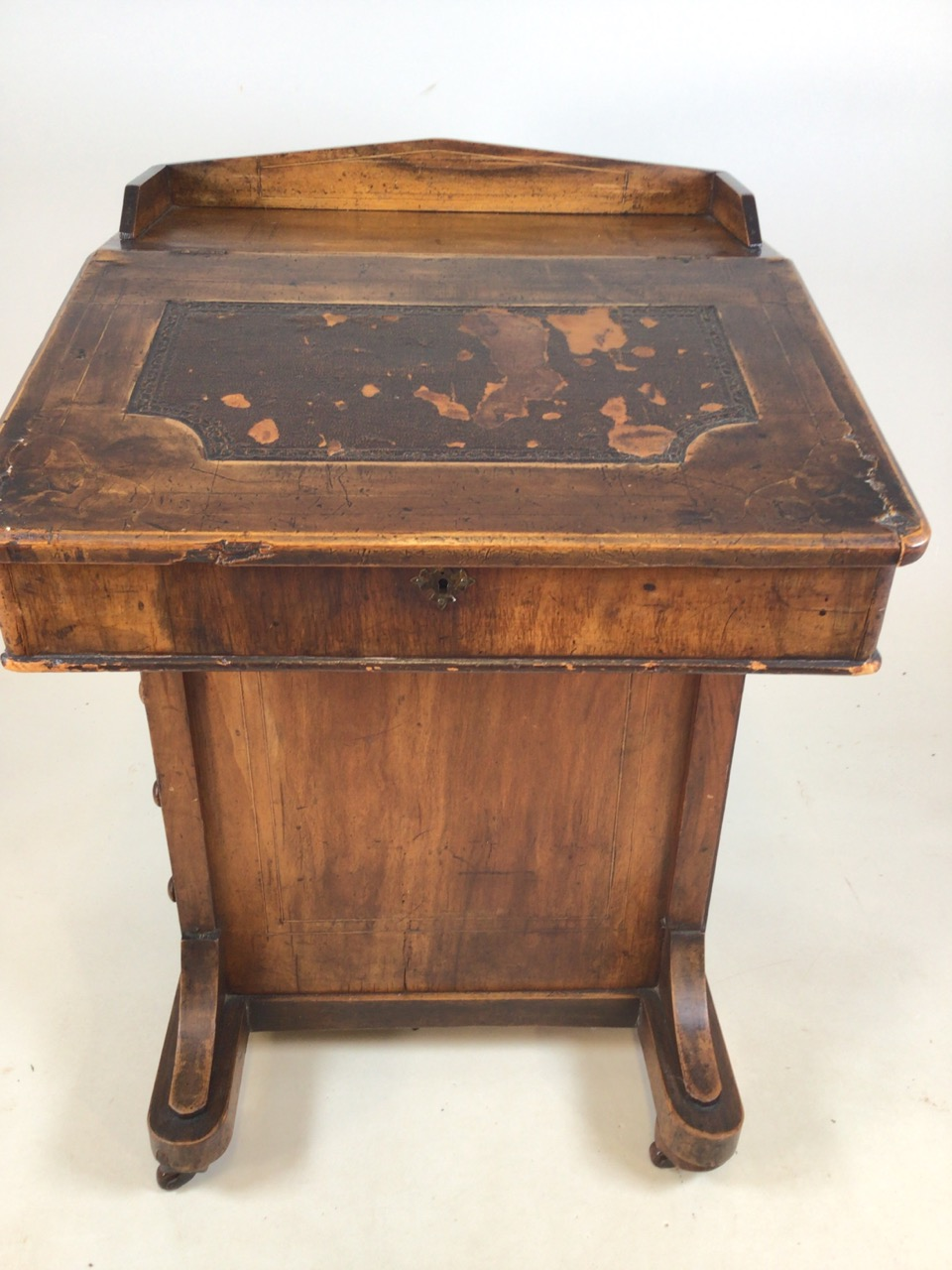A Victorian inlaid davenport on ceramic castors with leather writing slope to interior desk. With - Image 2 of 7