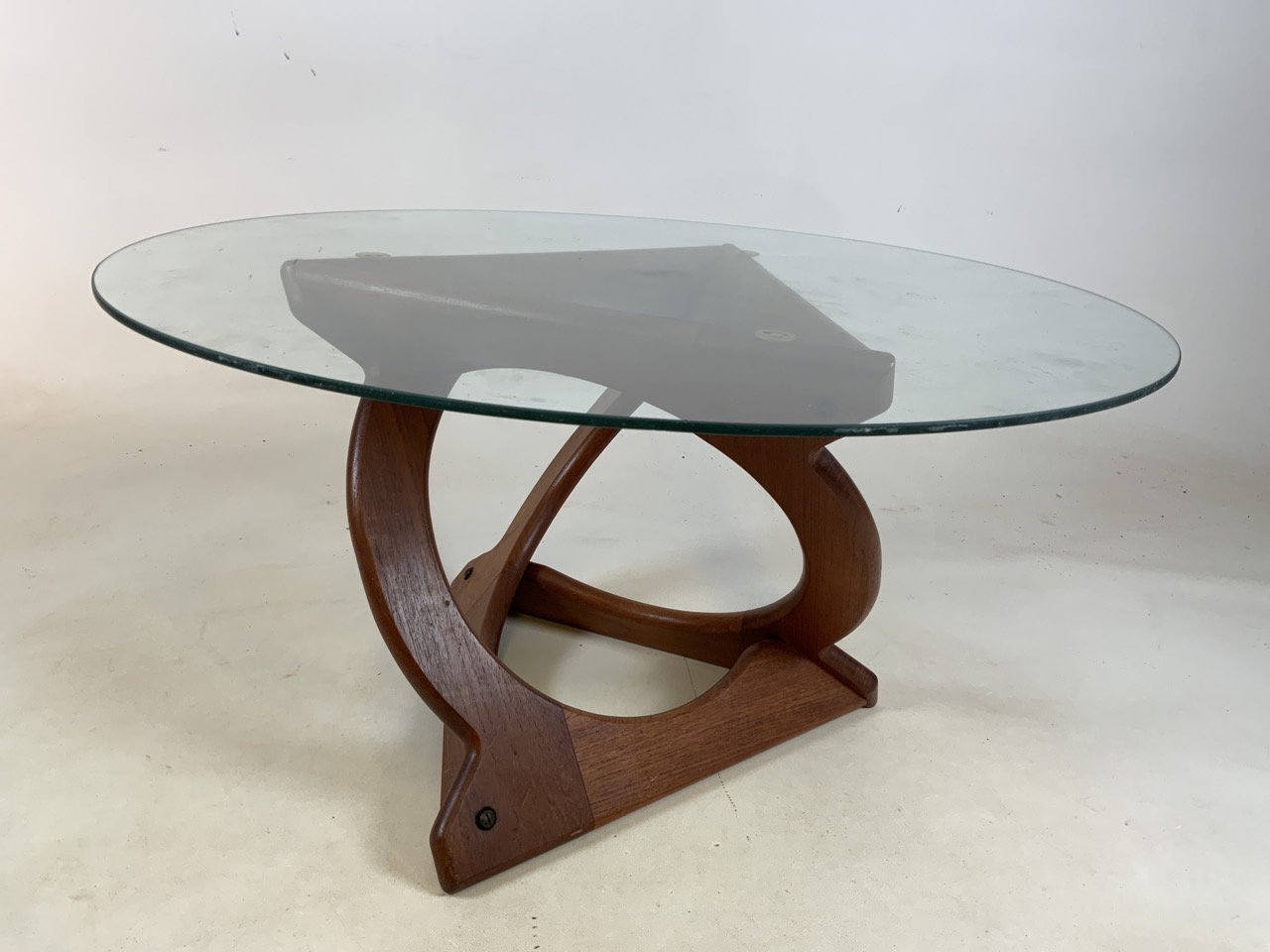A Danish Glass top coffee table by Georg Jenson for Kubus. Diameter 75cm, Heoght 39cm - Image 3 of 5