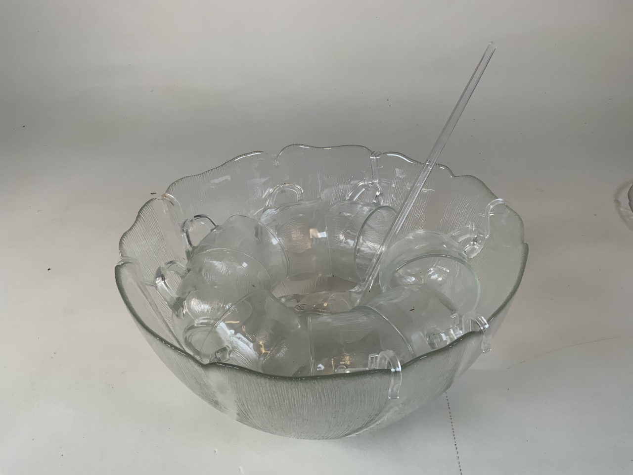 an Arcoroc glass punch set together with seven glass leaf design plates W:31cm x H:15cm - Image 2 of 3