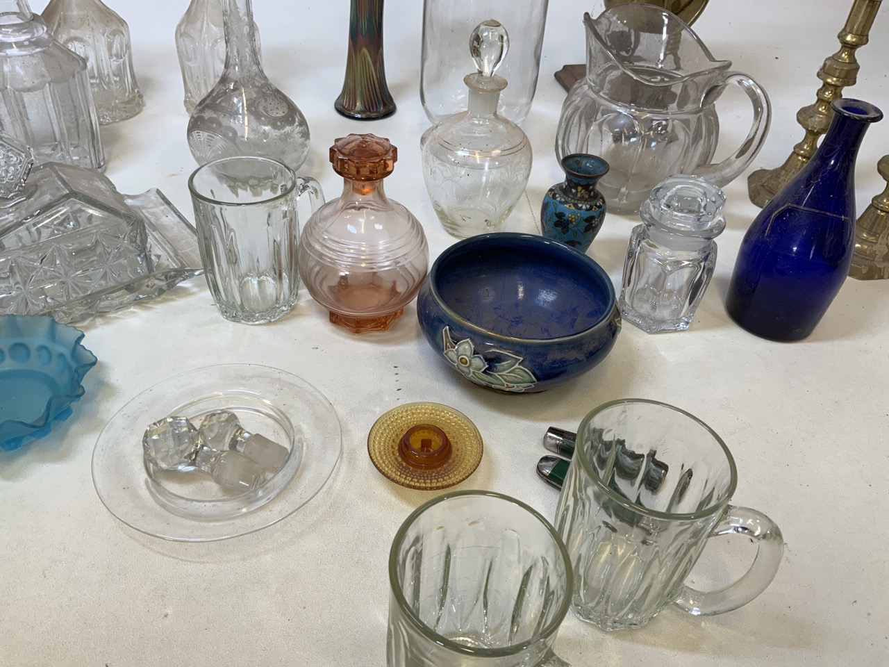 A mixed collection of glass, metal wear and ceramics. To include a brass kettle and a pair of - Image 5 of 6