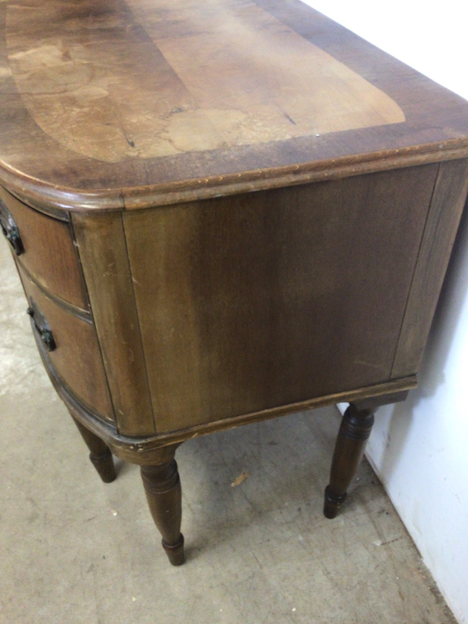 A small curved ladies desk with large central drawer with two drawers either side with brass - Image 6 of 6
