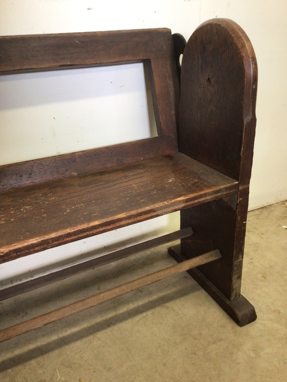 A pitch pine pew with reversable back rest and double footrests. W:215cm x D:50cm x H:82cm - Image 2 of 7