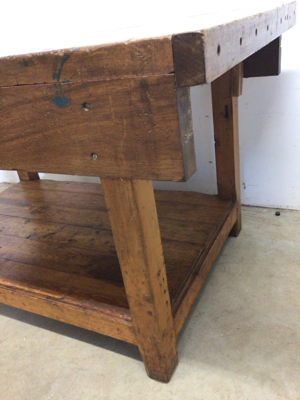 An antique Hardwood workbench with two vices and a lower shelf. W:140cm x D:85cm x H:78cm - Image 3 of 6