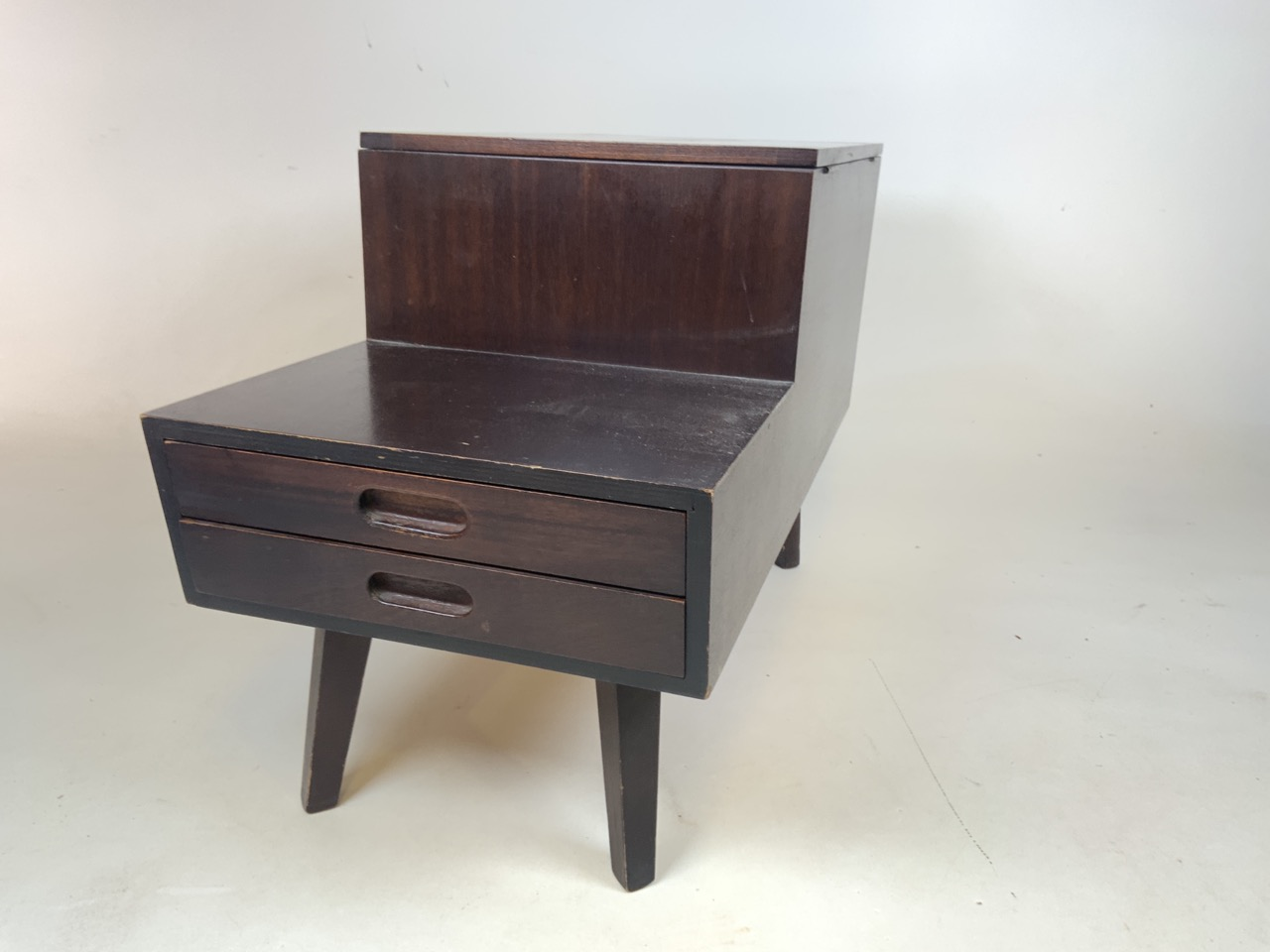Mid century Vanson teak sewing/ coffee table with lift up top and two drawers. Sliding storage - Image 2 of 5