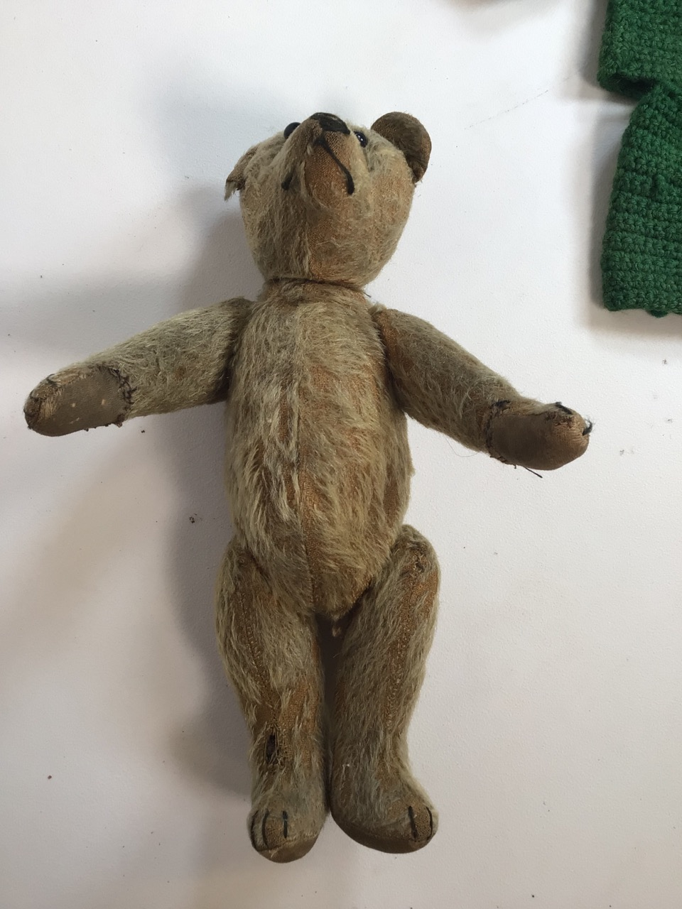 An early 1900s, assumed to be, Stieff bear with original shoe black button eyes and hump back. H: - Image 2 of 9