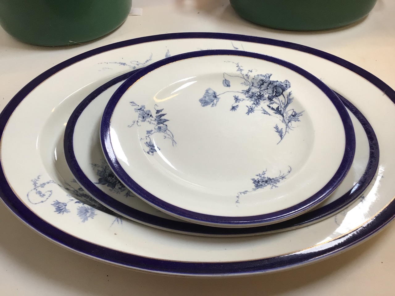Le Creuset casserole dishes orange and green, Worcester blue and white plates also with a blue and - Image 2 of 7