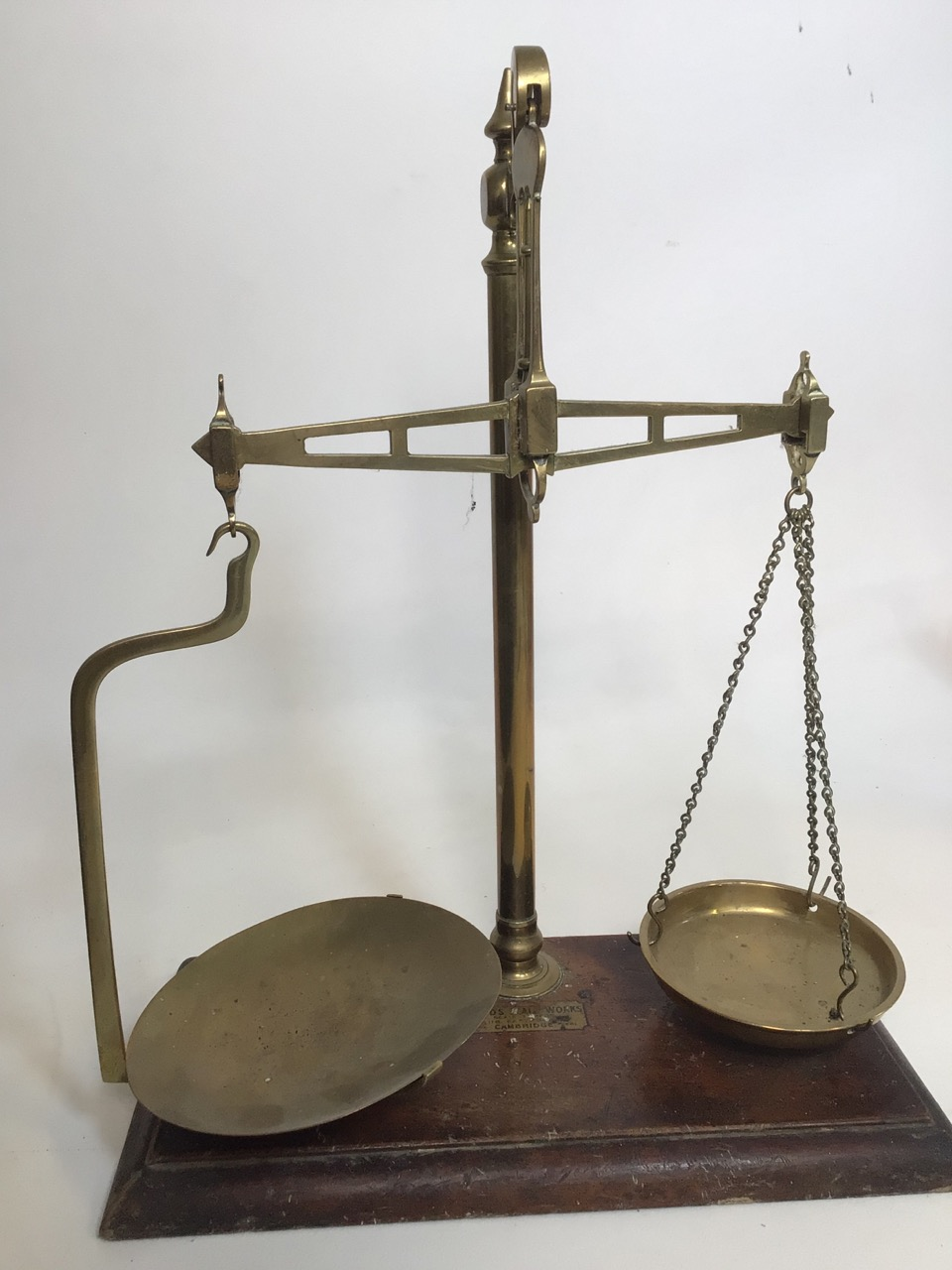 A set of brass post office scales. With original Todd's scale works label. H:43cm