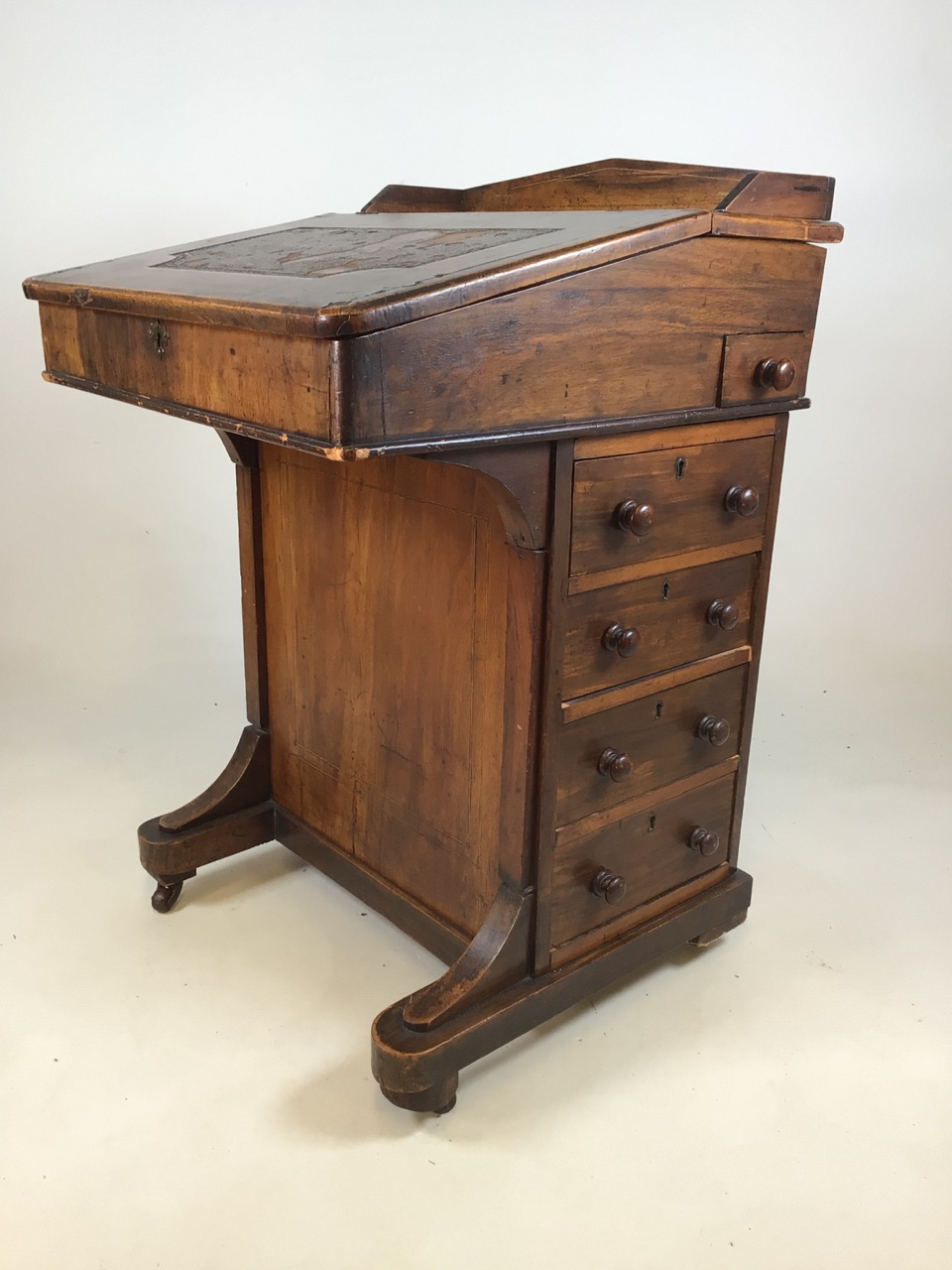 A Victorian inlaid davenport on ceramic castors with leather writing slope to interior desk. With - Image 3 of 7