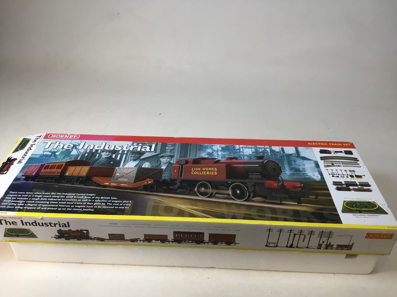 A Hornby Industrial Set (boxed) and unused with six extra carriages (used) 00 gauge. - Image 3 of 9