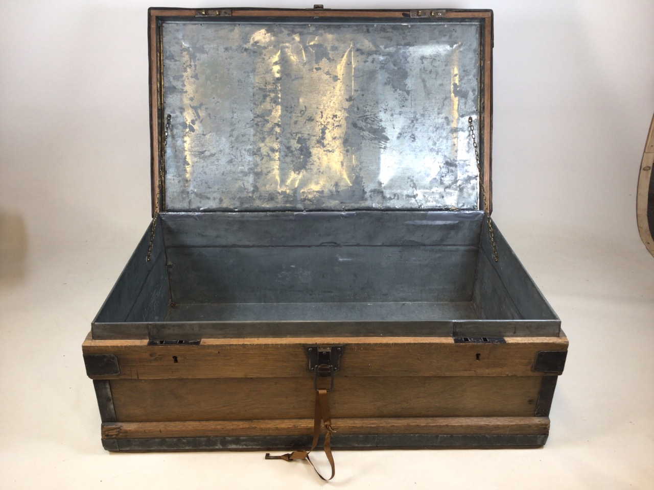 A large 19th century lead trunk with metal bound edges. W:97cm x D:60cm x H:36cm - Image 4 of 9