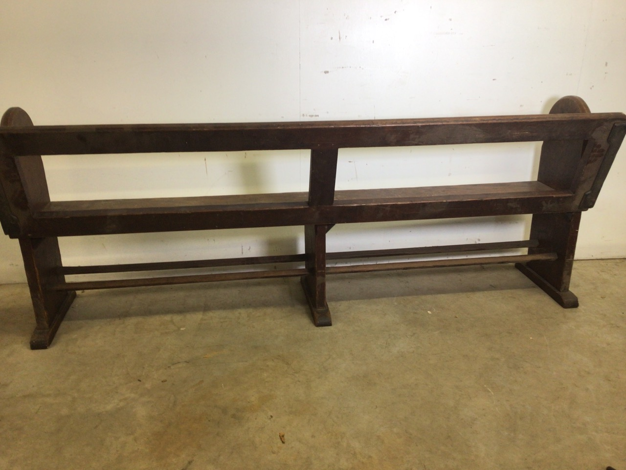 A pitch pine pew with reversable back rest and double footrests. W:215cm x D:50cm x H:82cm - Image 7 of 7