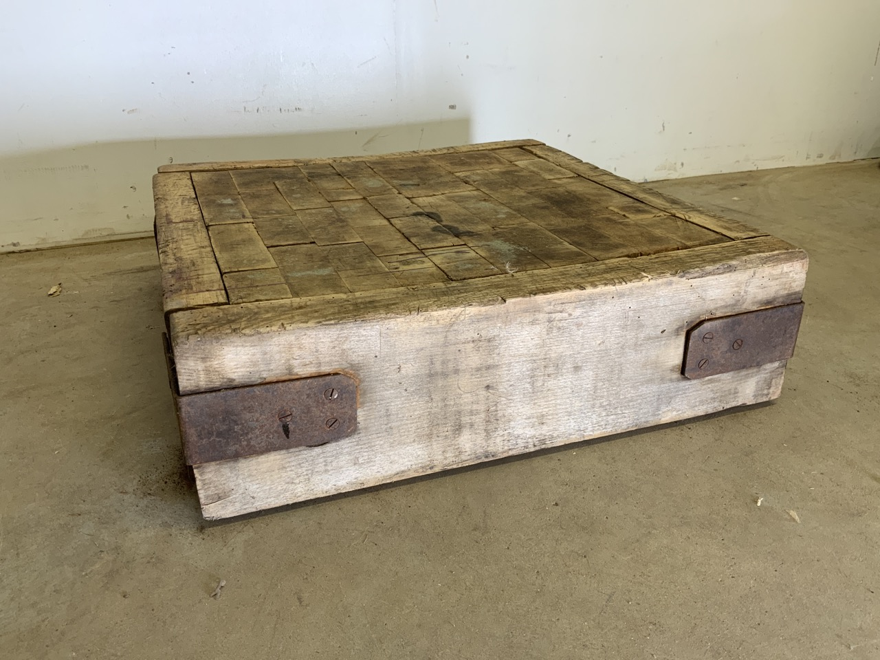 A square butchers block, without base. W:62cm x D:62cm x H:18cm