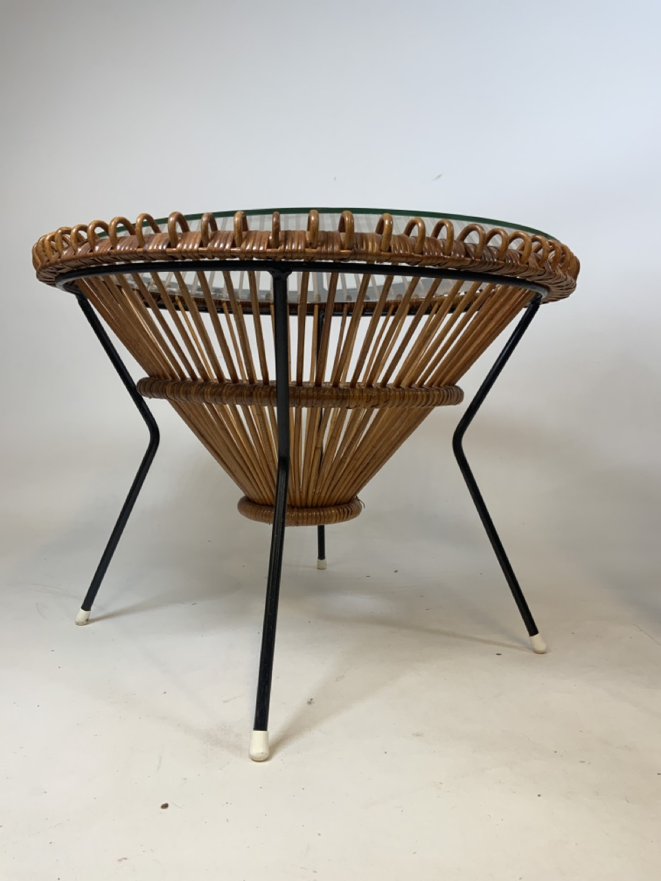A Franco Albini mid century circular coffee table in wicker and metal with glass top and two - Image 6 of 7