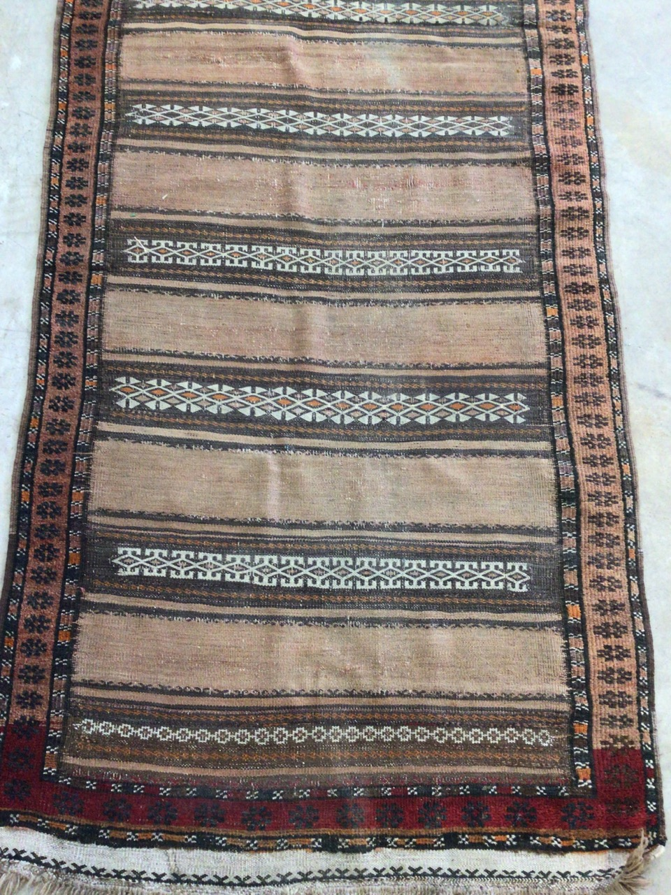 An antique eastern runner with Aztec influence. W:290cm x H:105cm - Image 3 of 4