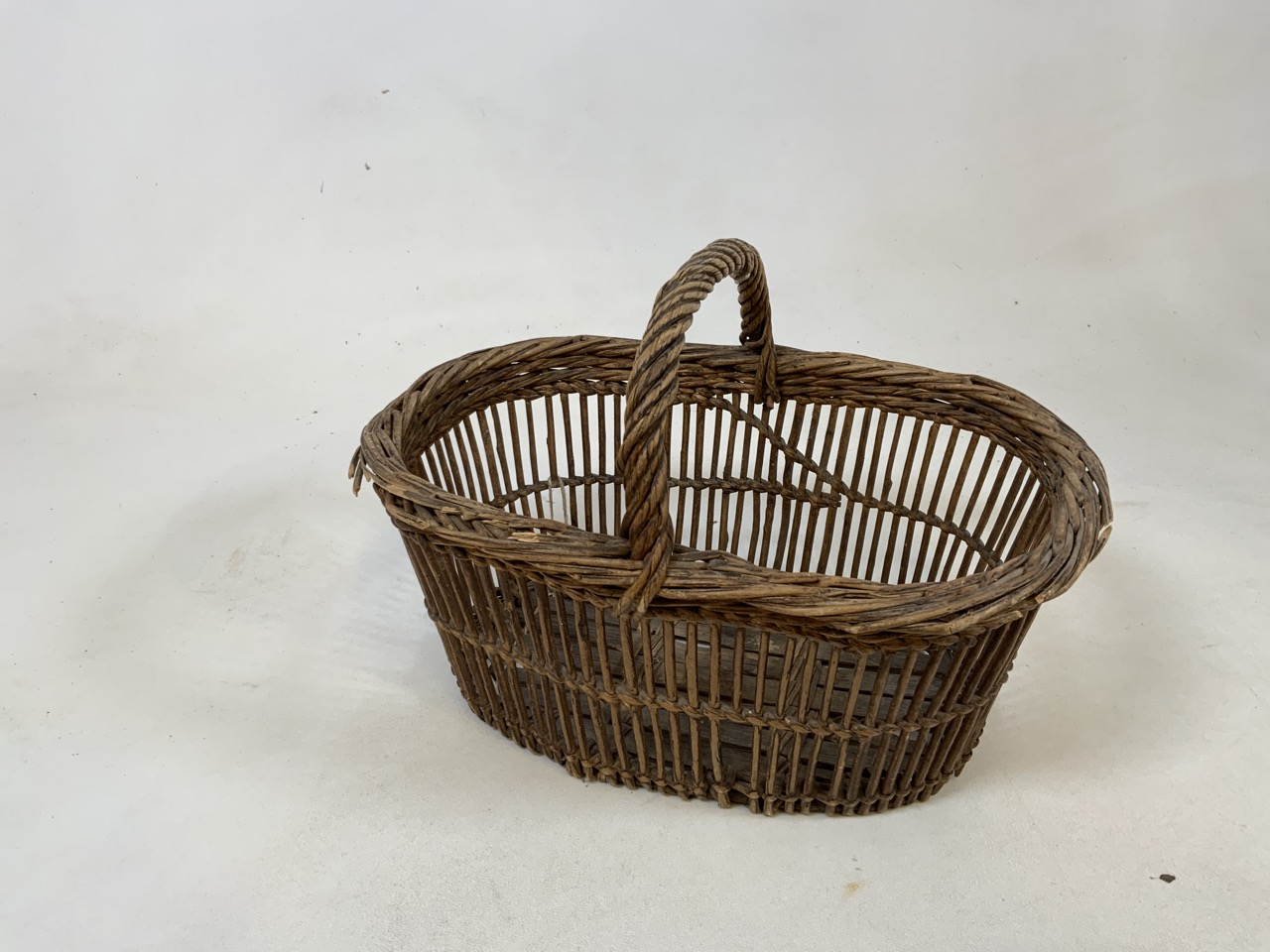 Two vintage french baskets together with a wooden sieve .Sieve W: 27cm x H: 13cm. - Image 3 of 4