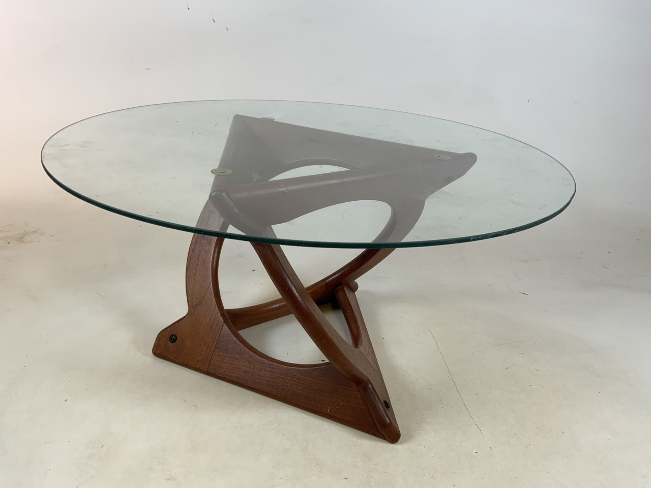A Danish Glass top coffee table by Georg Jenson for Kubus. Diameter 75cm, Heoght 39cm - Image 2 of 5