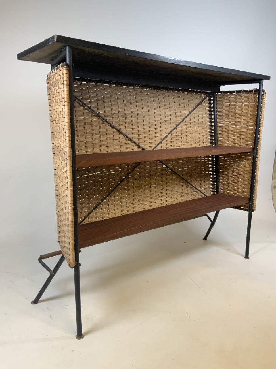 A Franco Albini mid century wicker and iron bar and two bar stools. Bar has two teak shelves to - Image 3 of 13
