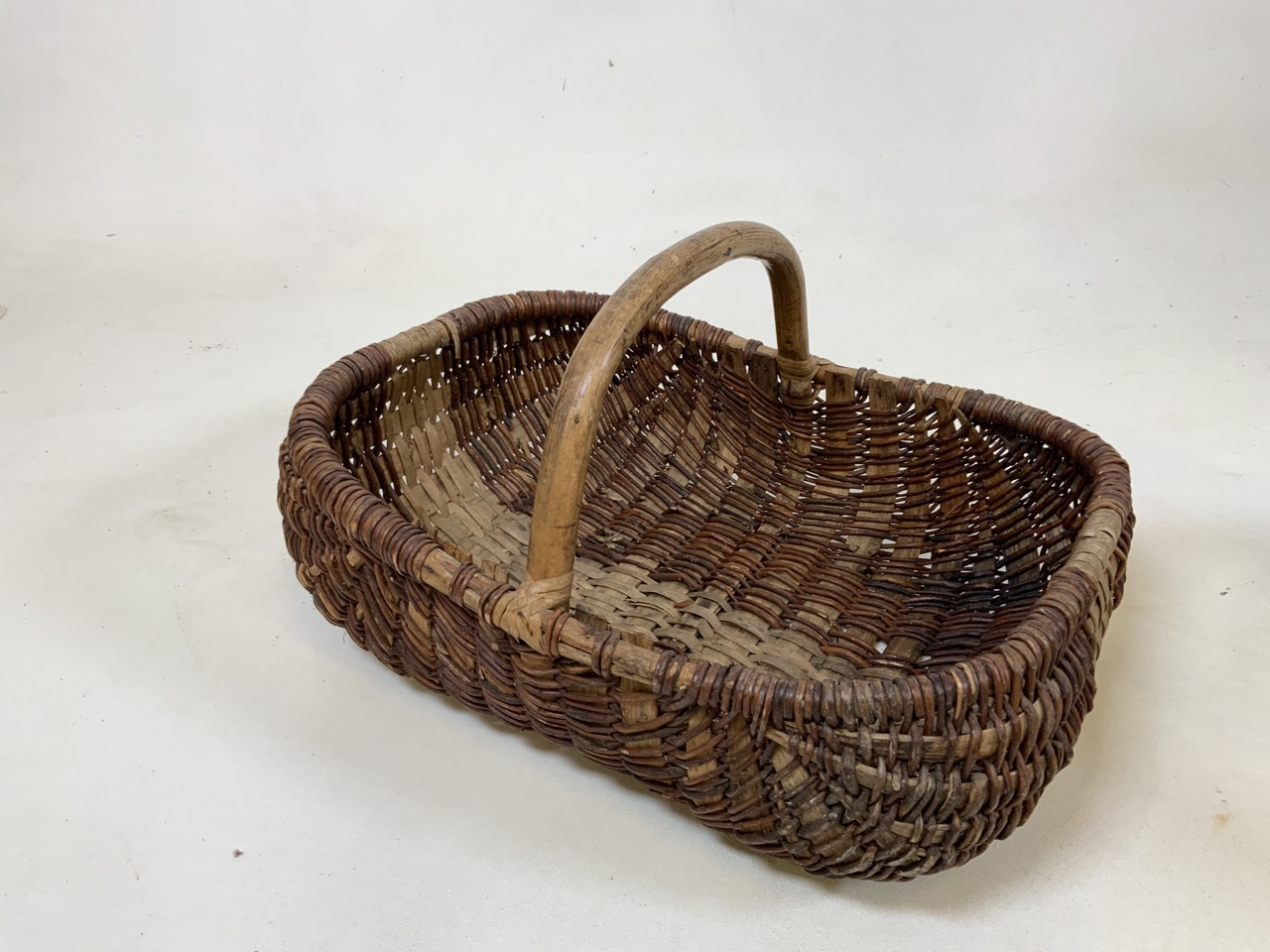 Two vintage french baskets together with a wooden sieve .Sieve W: 27cm x H: 13cm. - Image 2 of 4
