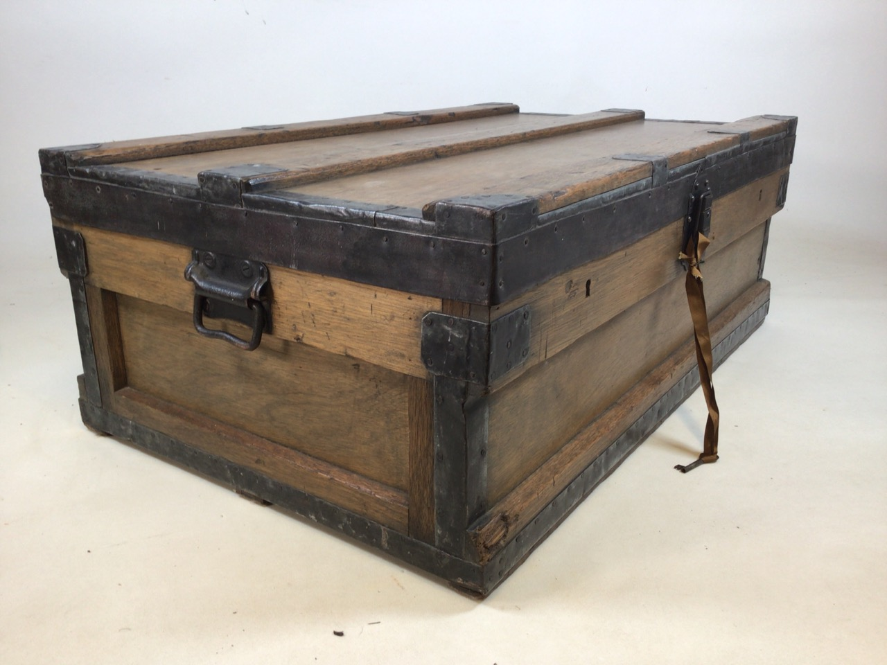 A large 19th century lead trunk with metal bound edges. W:97cm x D:60cm x H:36cm - Image 2 of 9