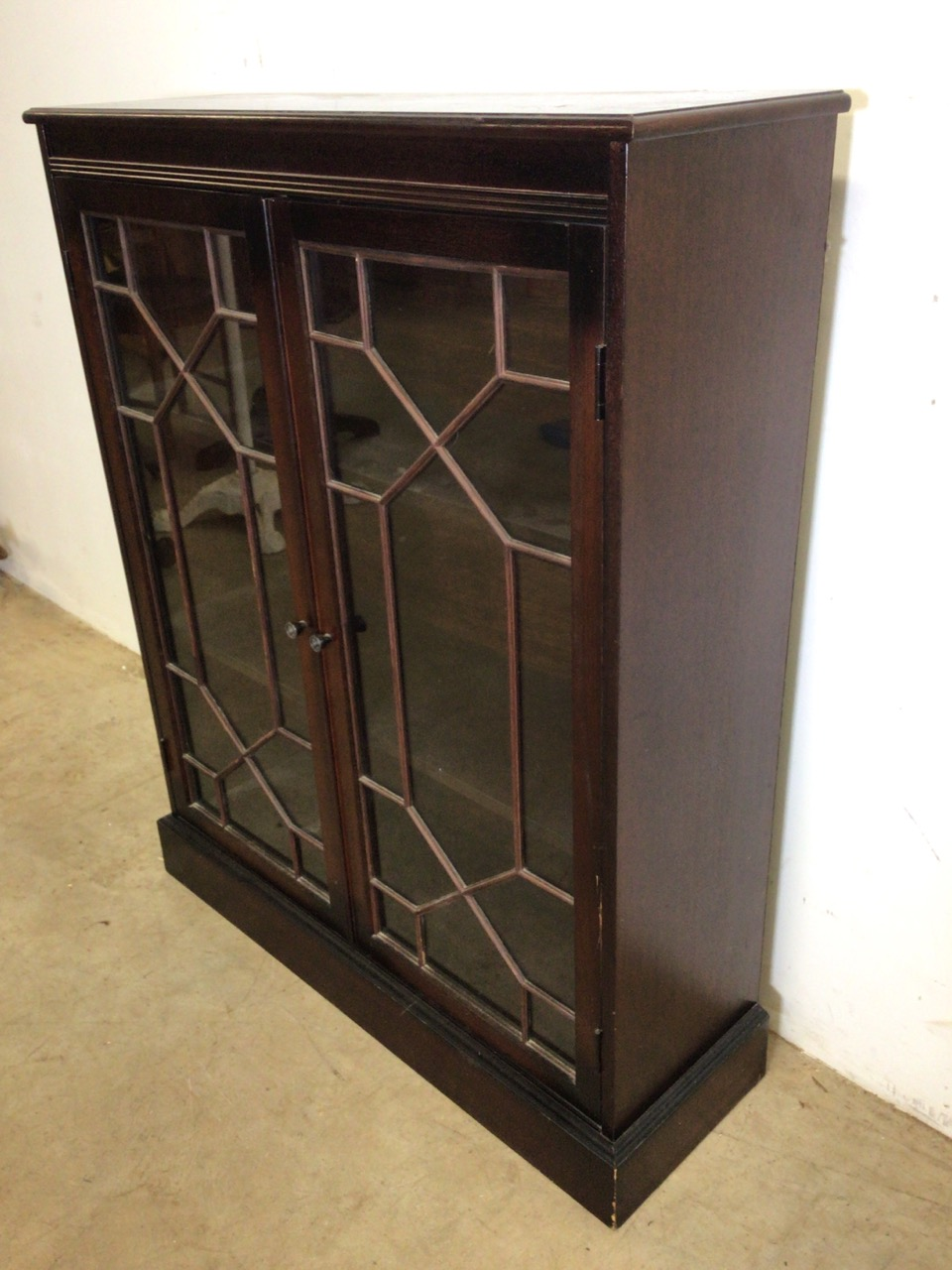 A small mahogany glazed bookcase with interior shelves. W:83cm x D:27cm x H:102cm - Image 2 of 6