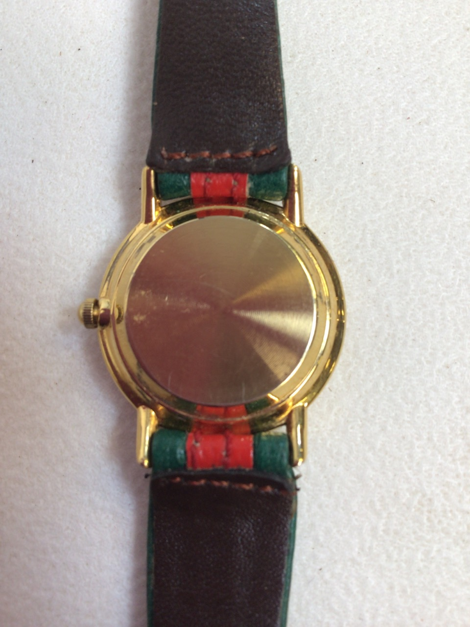 A ladies watch stamped Gucci. - Image 2 of 4