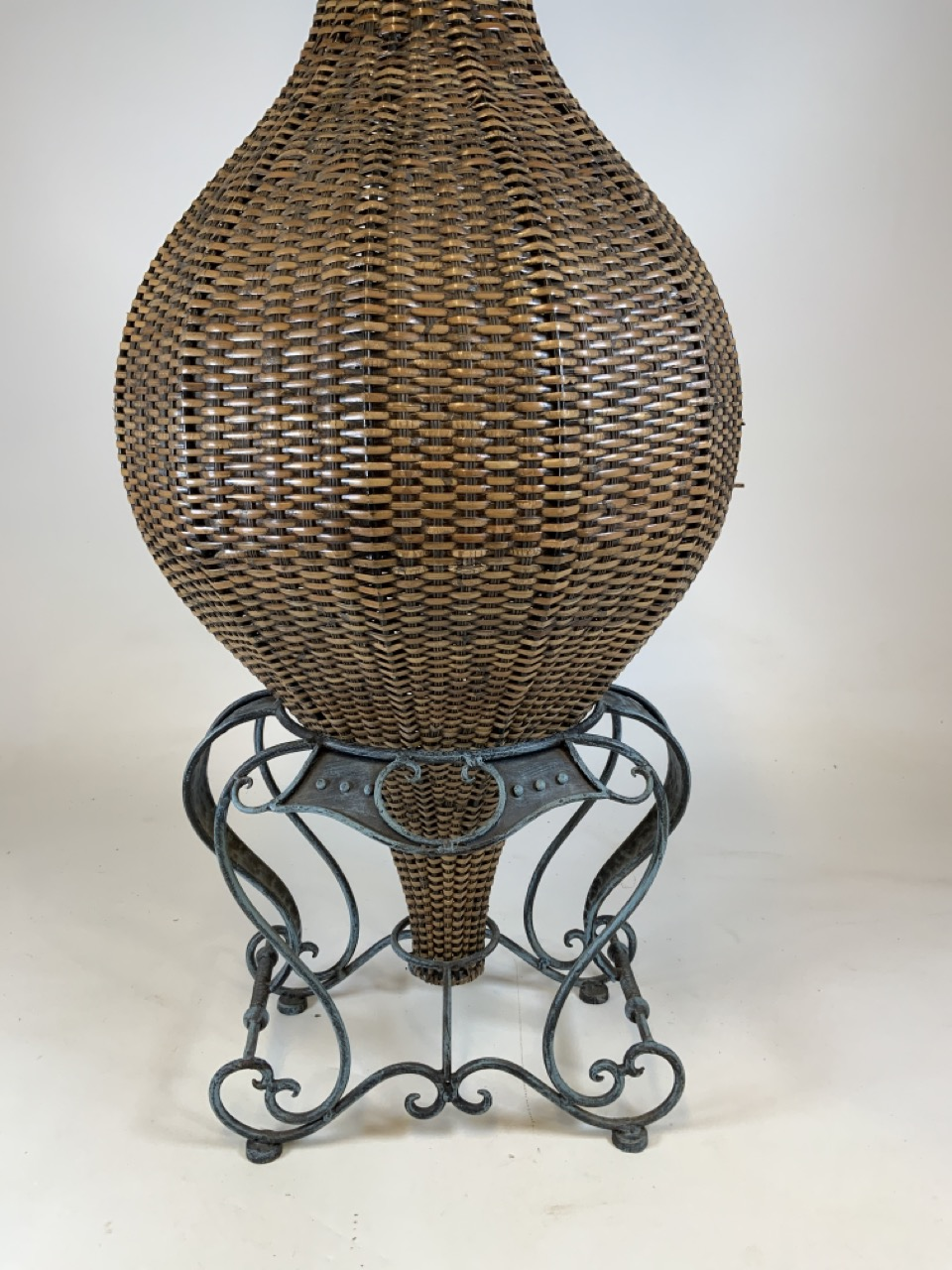 A large wicker conservatory vase in stand with metal hoop handles and decorative metal top. W:24cm x - Image 3 of 5