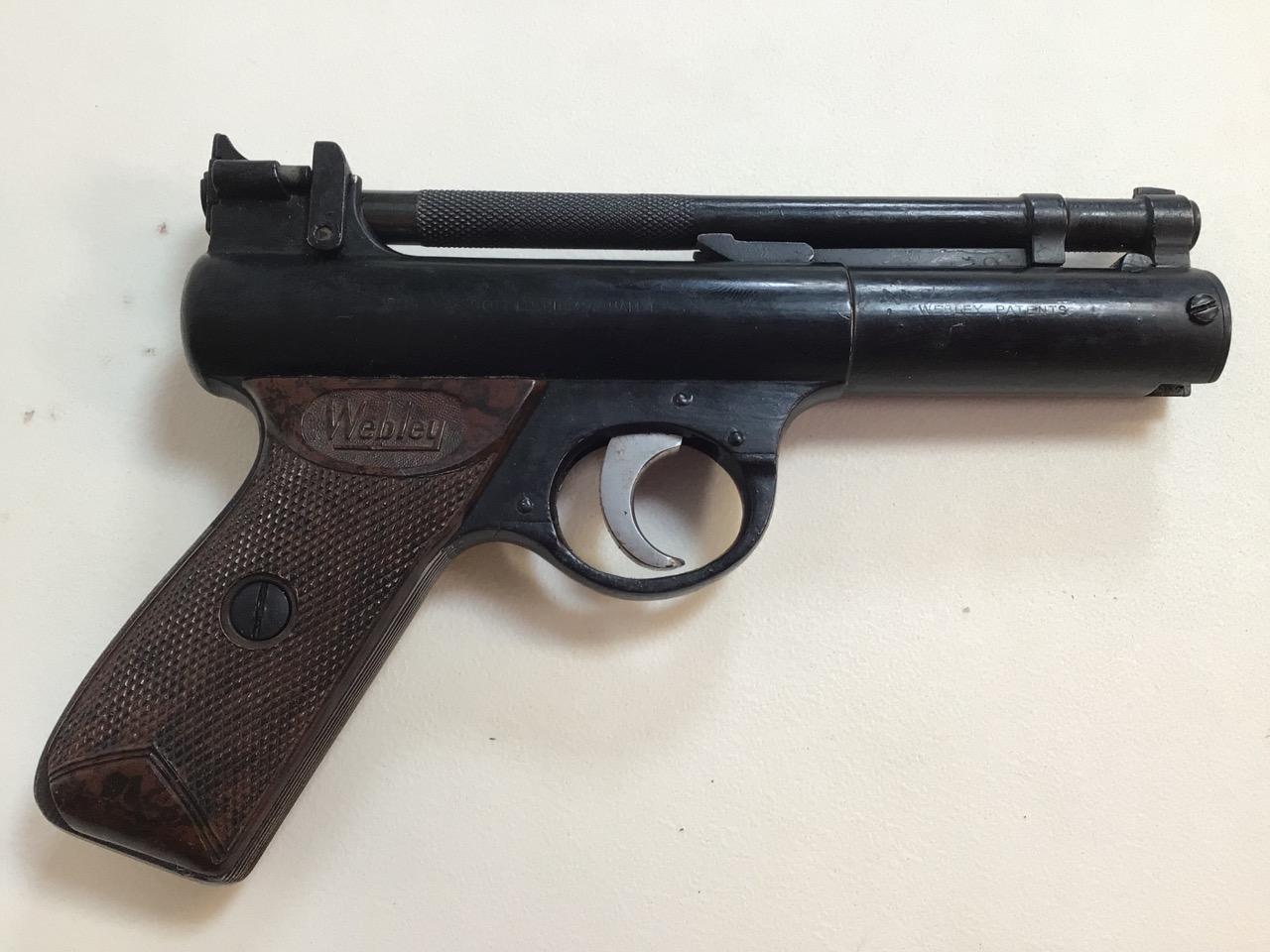 A Webley Senior air pistol. Webley and Scott ltd Birmingham. W:22cm x H:14cm - Image 2 of 6