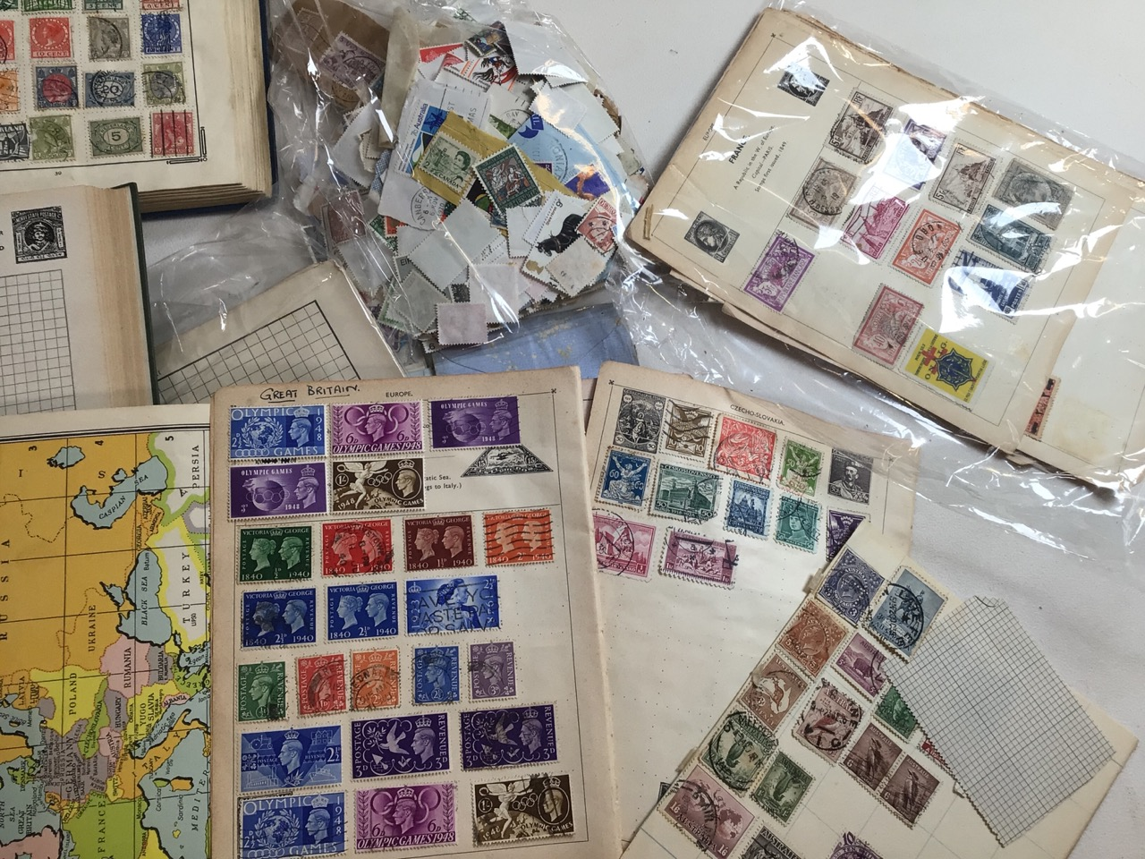 A large collection of stamps Great Britain and Europe. - Image 2 of 4
