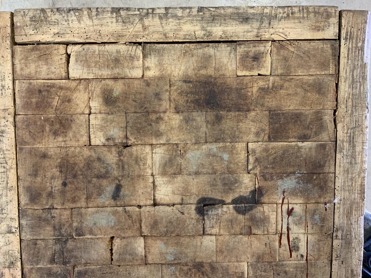 A square butchers block, without base. W:62cm x D:62cm x H:18cm - Image 5 of 5