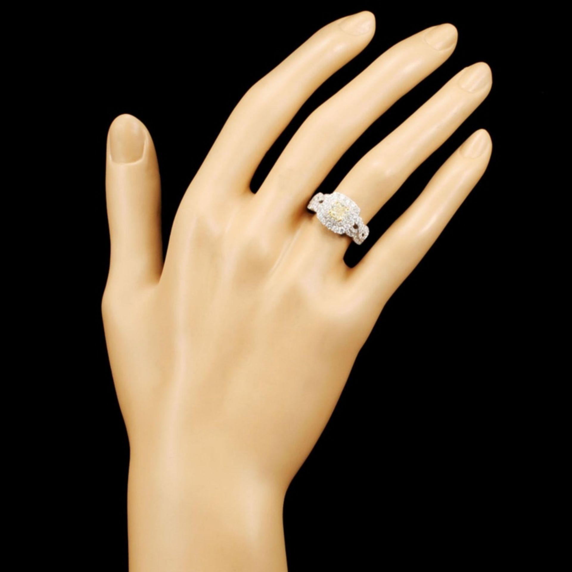 18K Gold 1.52ctw Fancy Diamond Ring - Image 4 of 5