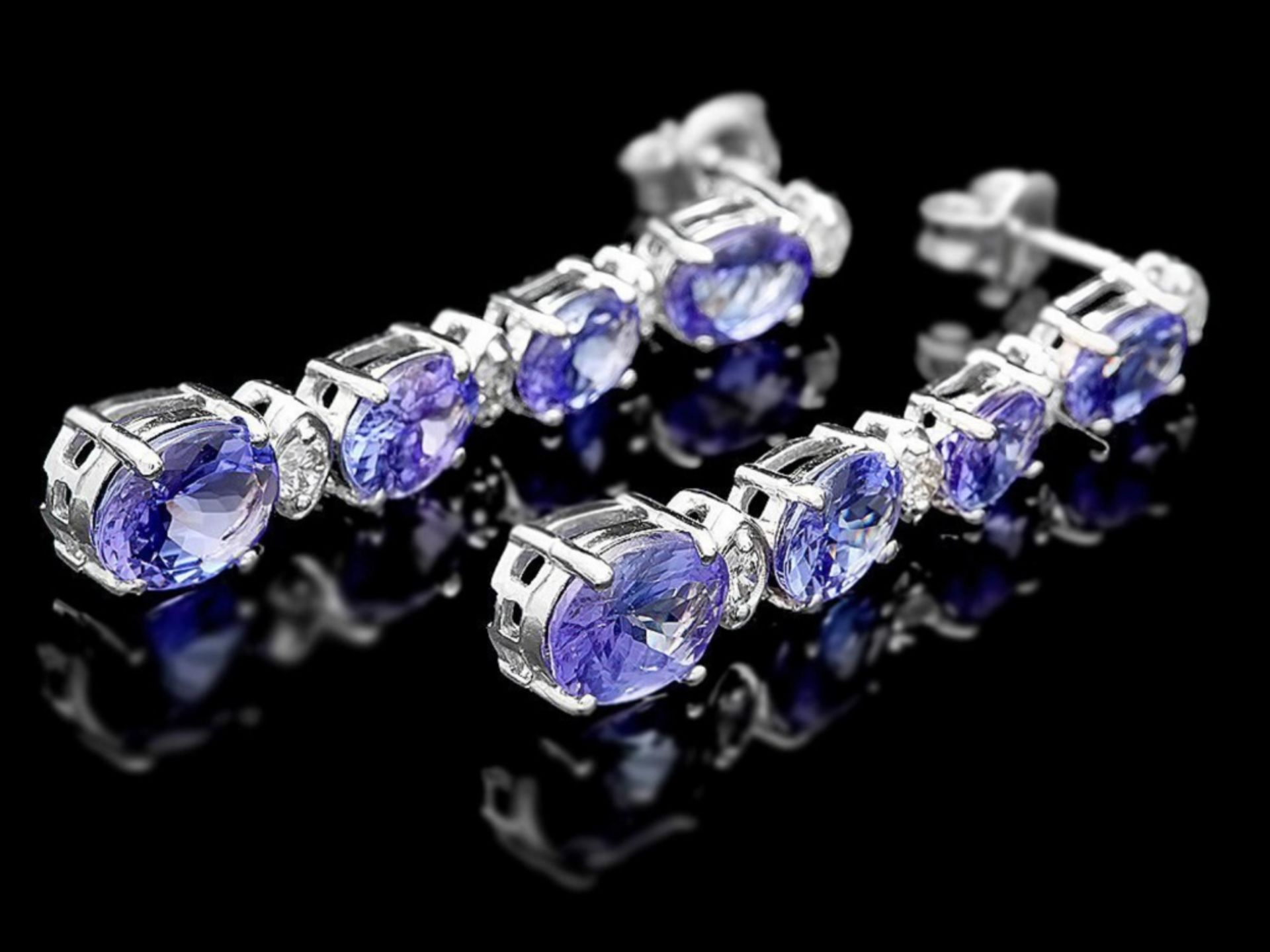 `14k Gold 7.00ct Tanzanite & 0.50ct Diamond Earrin - Image 2 of 4