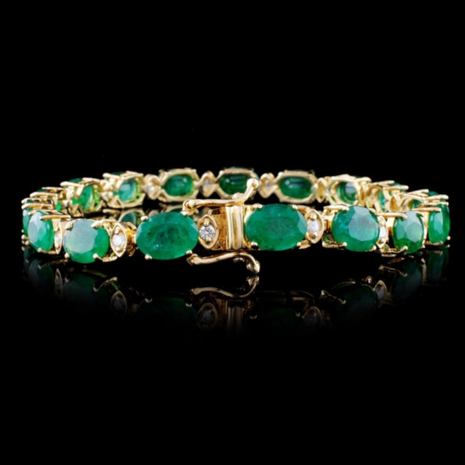 14K Gold 30.00ct Emerald & 1.50ct Diamond Bracelet - Image 2 of 3