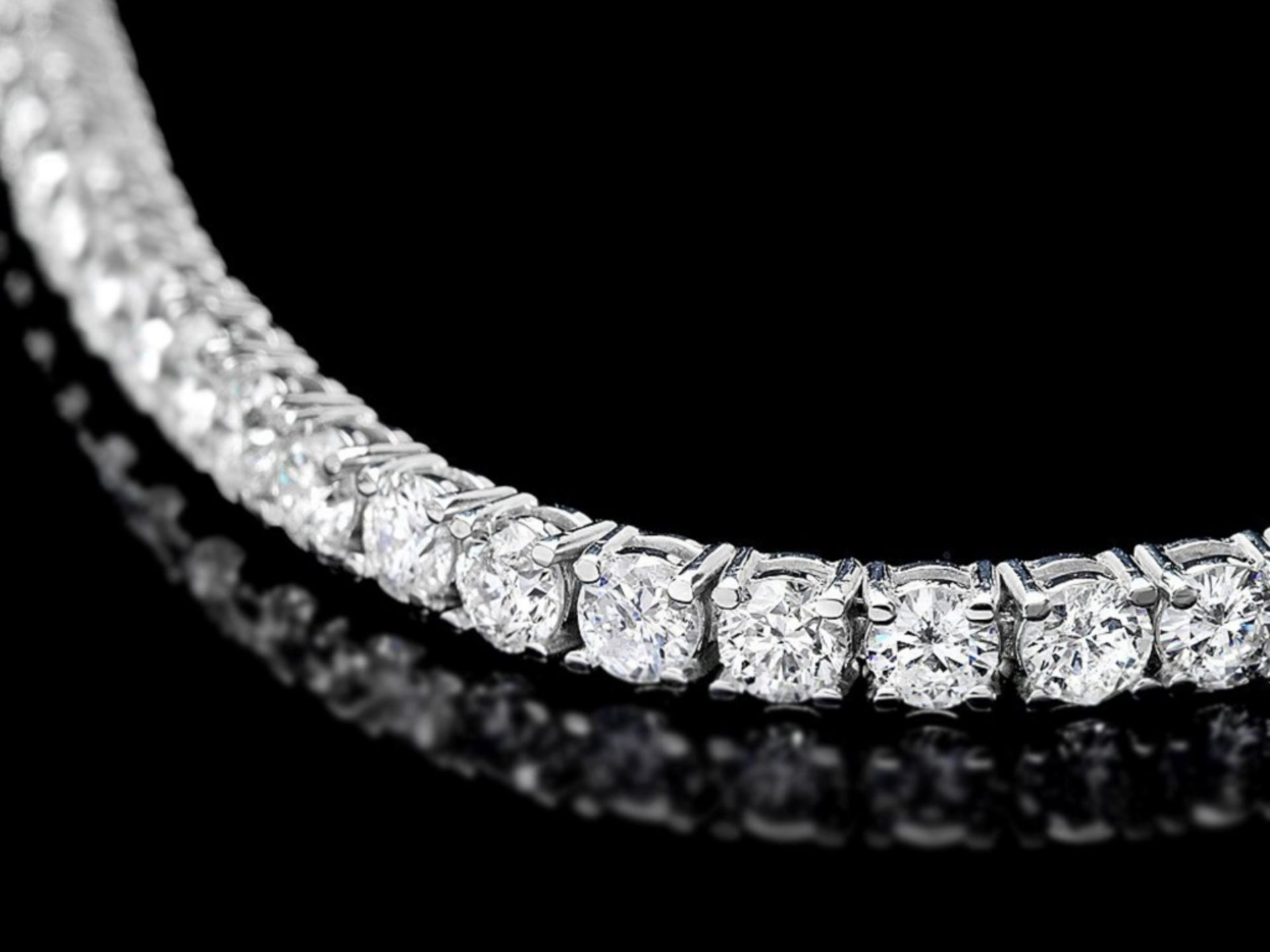 ^18k White Gold 7.45ct Diamond Bracelet - Image 2 of 3