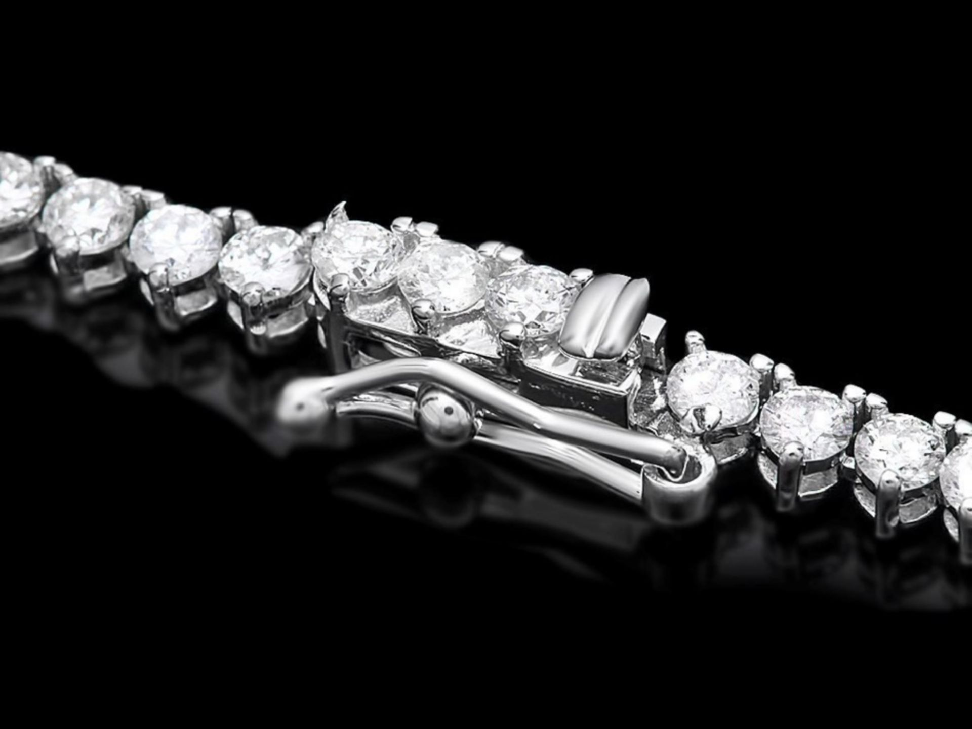 ^18k White Gold 9.00ct Diamond Necklace - Image 4 of 5