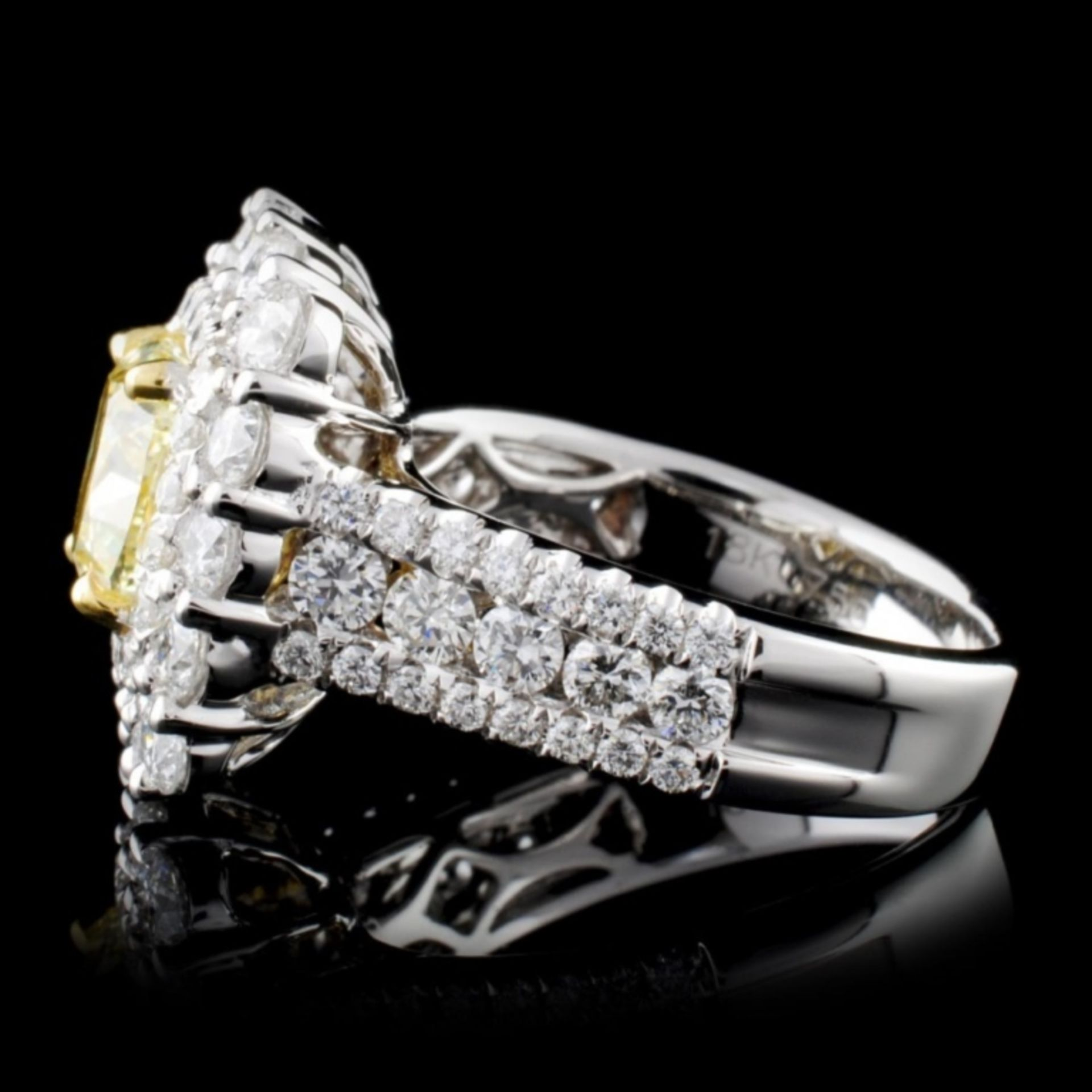 18K White Gold 3.92ctw Fancy Color Diamond Ring - Image 3 of 4