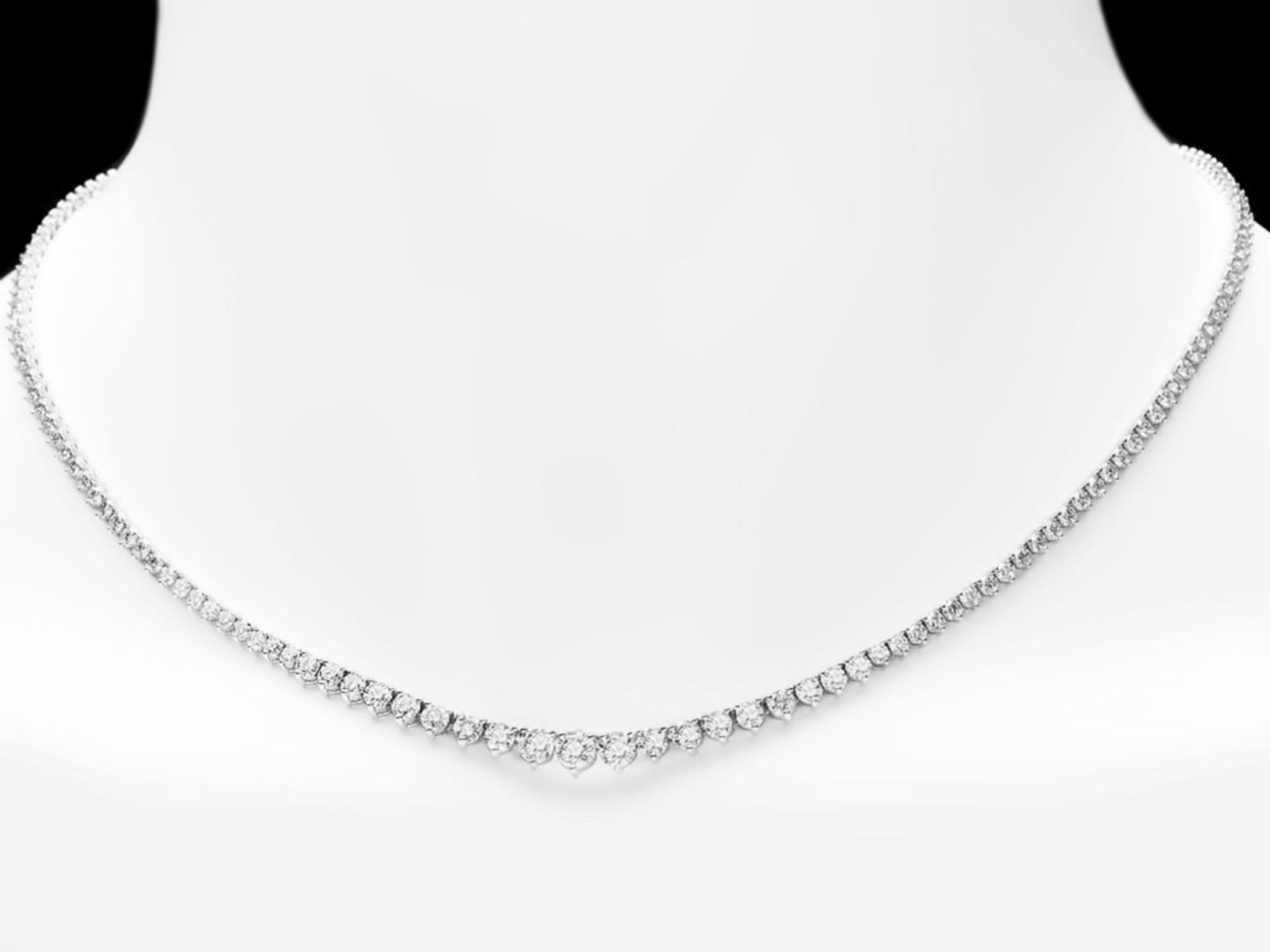 18k White Gold 7.80ct Diamond Necklace - Image 3 of 4